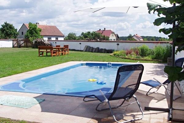 Dovolená s bazénem v ČR - dovolená v penzionu v jižních Čechách